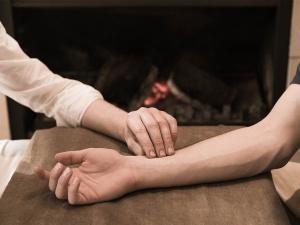 vital-veda-treatment-consultation thumbnail-1200x900